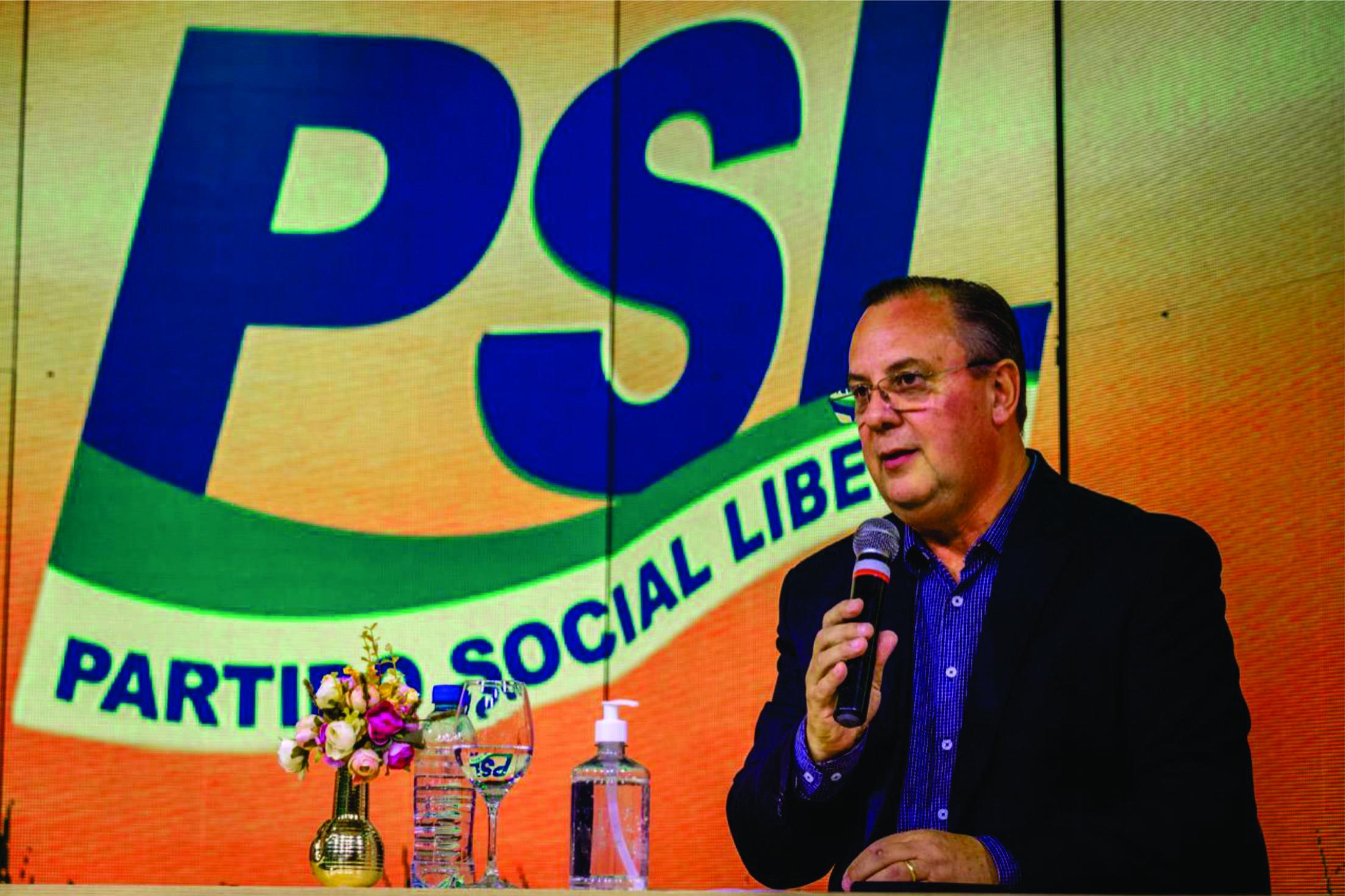 Candidato a Vice-Prefeito de Porto Alegre na última eleição, Delegado Fernando Soares reforça quadros do PSL e assume a Vice-Presidência do partido no RS.